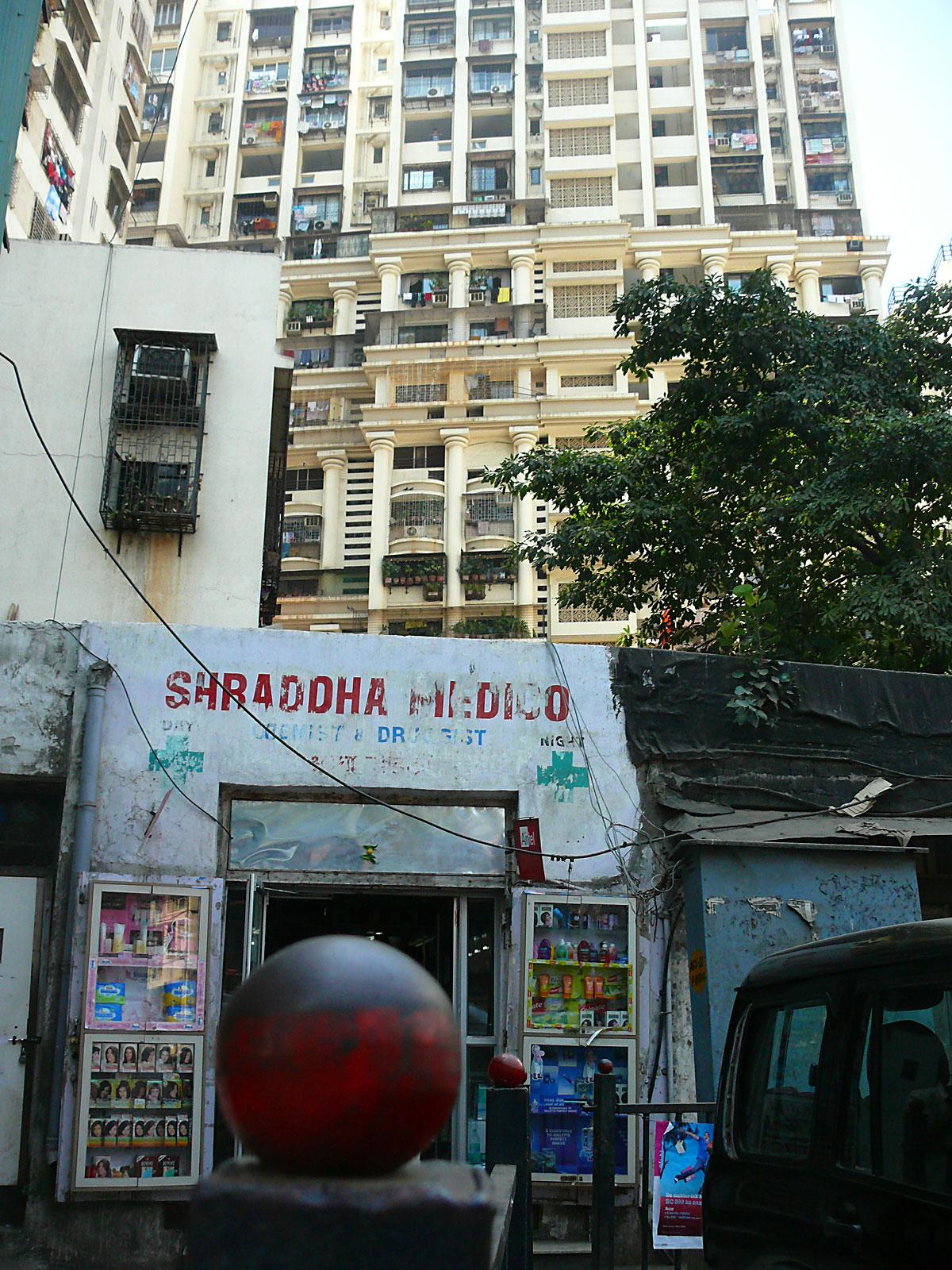 INDIEN MUMBAI Menschen Wohnen FINEST-onTour P1030448.jpg