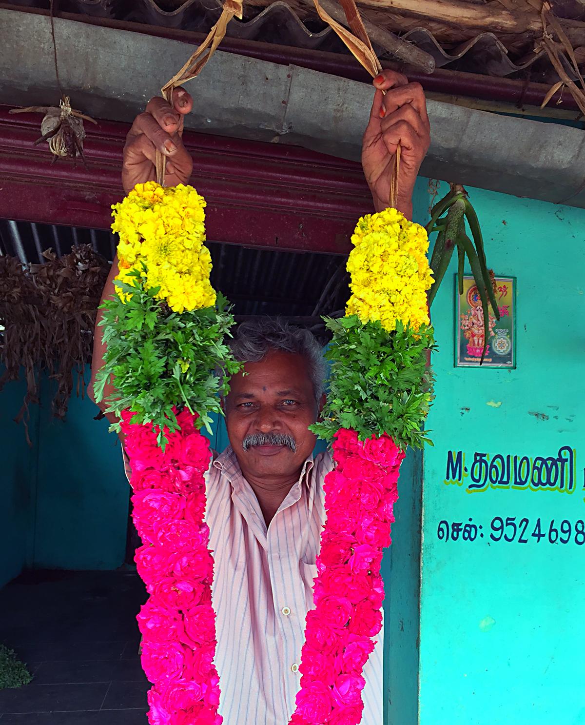 INDIEN Kumily Thekkady Kumarakom Kerala Menschen Tempel FINEST-onTour 2206.jpg