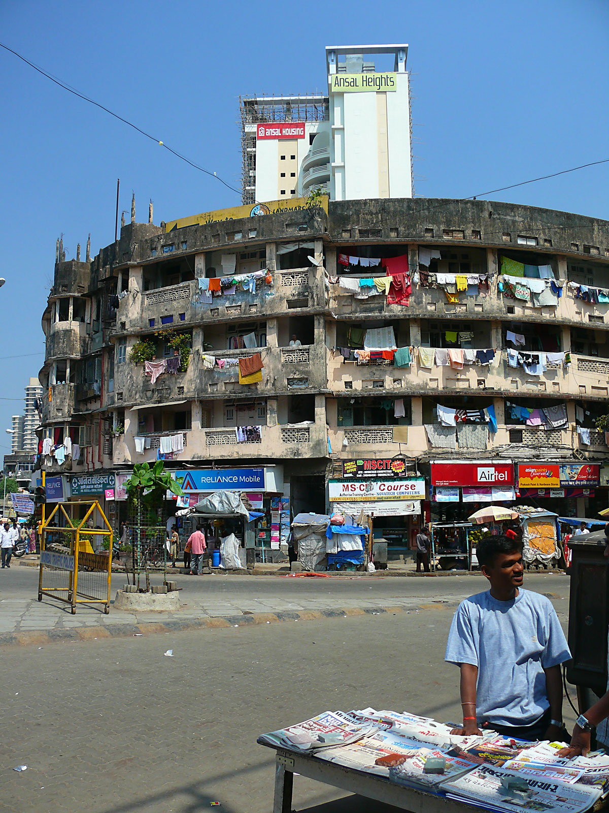 INDIEN MUMBAI Menschen Wohnen FINEST-onTour P1030367.jpg
