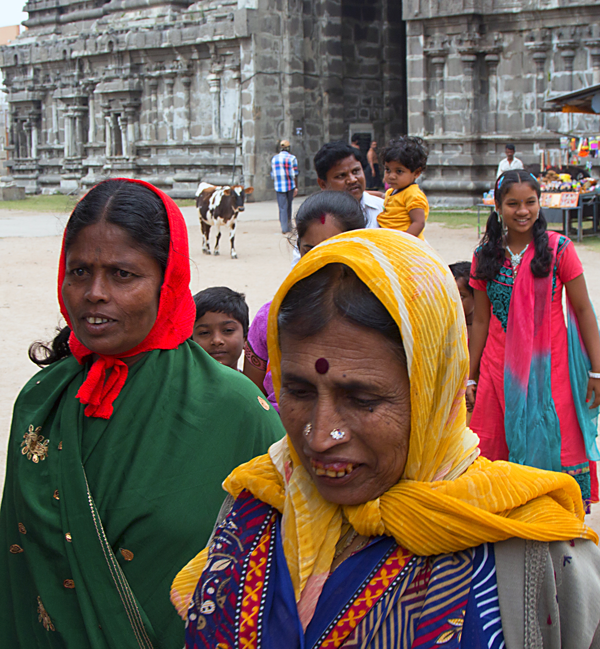 INDIEN Chennai Menschen Tempel FINEST-onTour 7470-1.jpg