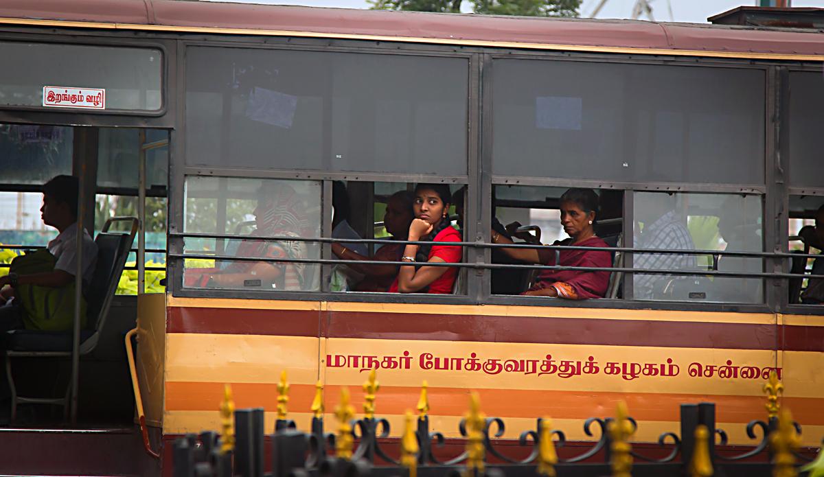 INDIEN Chennai Menschen Tempel FINEST-onTour 7184.jpg
