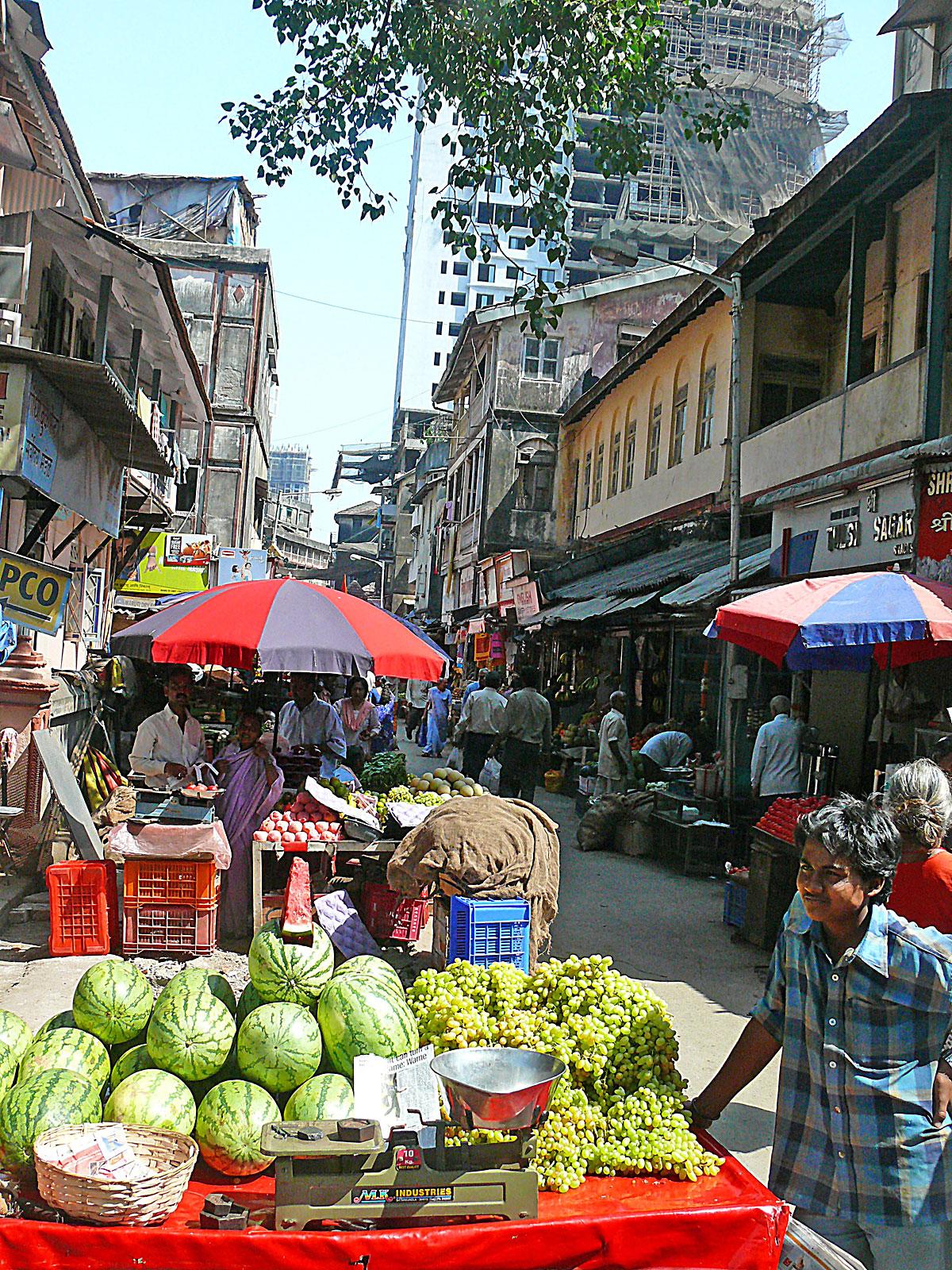 INDIEN MUMBAI Menschen Wohnen FINEST-onTour P1030450.jpg