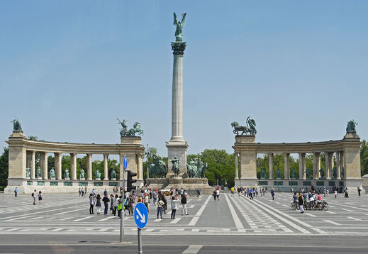 budapest-1280235_1920.jpg