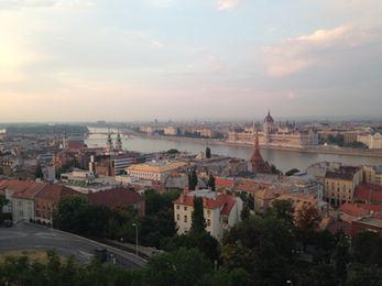budapest-1052792_1920.jpg