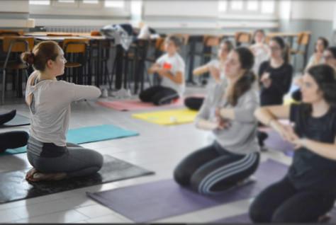 Lo Yoga nei Licei