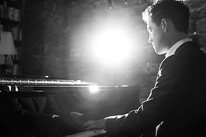 Pianist Thomas Jehle aus dem Raum Karlsruhe - am Flügel