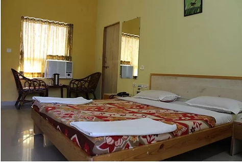 gir-jungle-lodge-sasan-gir-guest-room- j