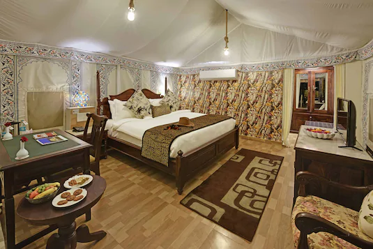 Gir lion Safari Camp luxury tent.webp