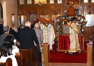 Holy Thursday, bringing Christ cloth icon to tomb_edited.jpg