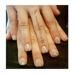 Nails by Amy 💛 #polishedinburbank #polishednails #polishednailsalon #nailstagram #goldnails #instas
