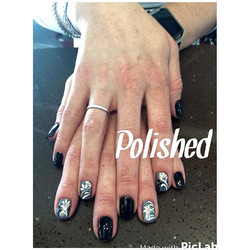 It's finally Friday 😻😻 book an appointment at Polished in #Burbank !!! 💕💕💕 •_•_•_#polishedinbur