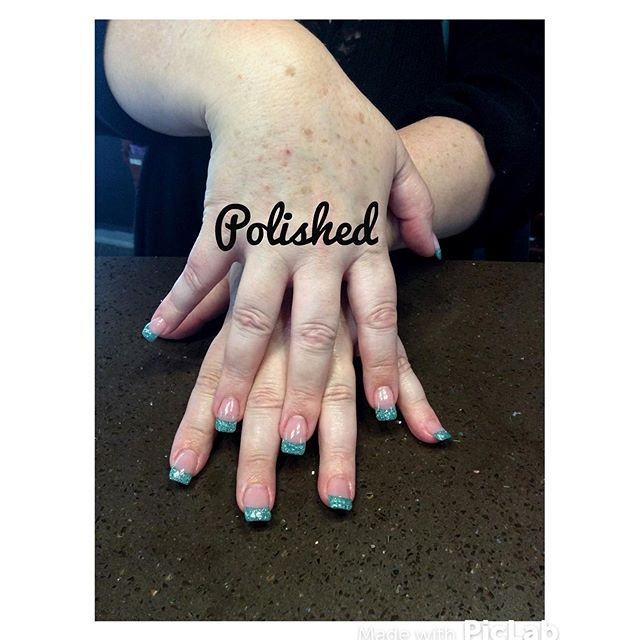 Today might be rainy 🌂 SPEND SOME TIME INDOORS AND RELAXED at Polished 💅🏻 __ #polished #polishedi