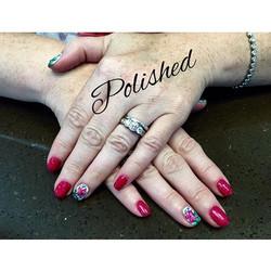 Floral Statements 💅🏼🤗 #polished #polishednailsalon #polishedinburbank #nailstagram #nails #nailva