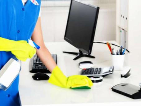 Cómo limpiar y desinfectar zonas comunes en la oficina