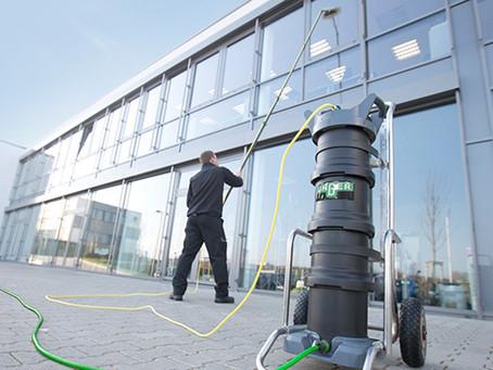 Limpiar ventanas con agua osmotizada: Cómo se hace y precauciones
