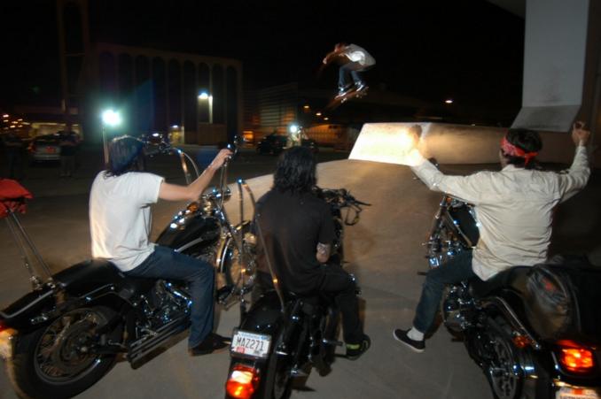 Night-Skate