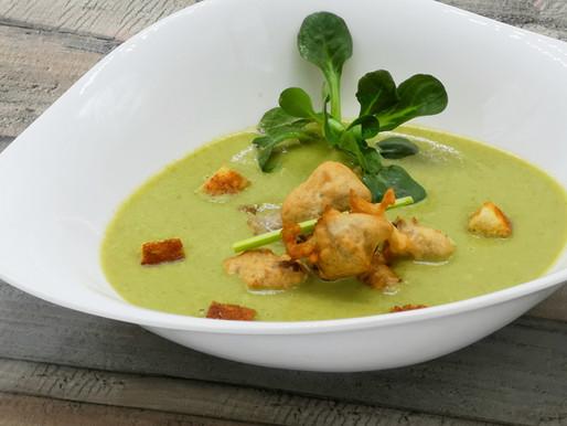 Rahm-Suppe vom Feldsalat mit Schwäbischer Auster