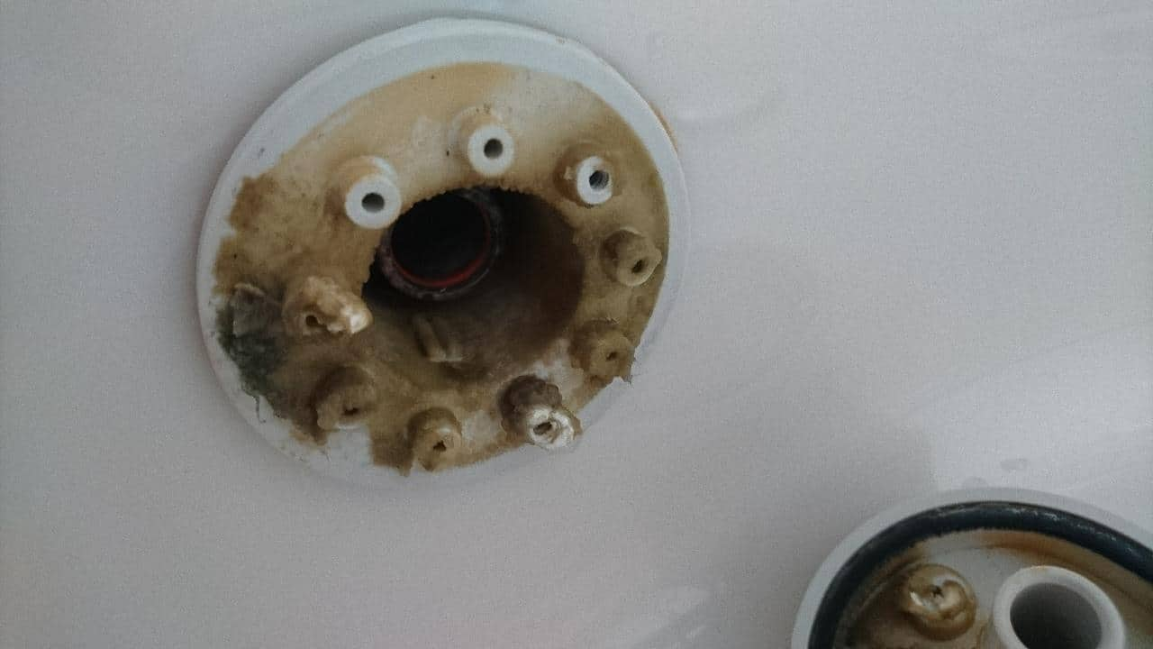 風呂釜循環金具洗浄前