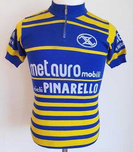 Maillot cycliste vintage Metauro Mobili Pinarello