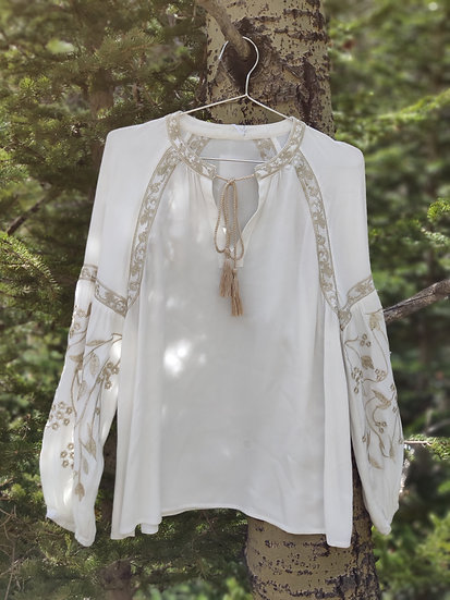 LONG SLEEVE WHITE WITH EMBROIDERED SLEEVES