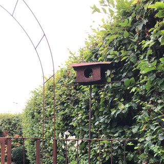 Vogelhaus als Gartenschmuck