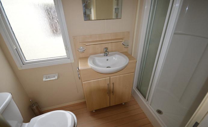 B9 Shower Room.JPG