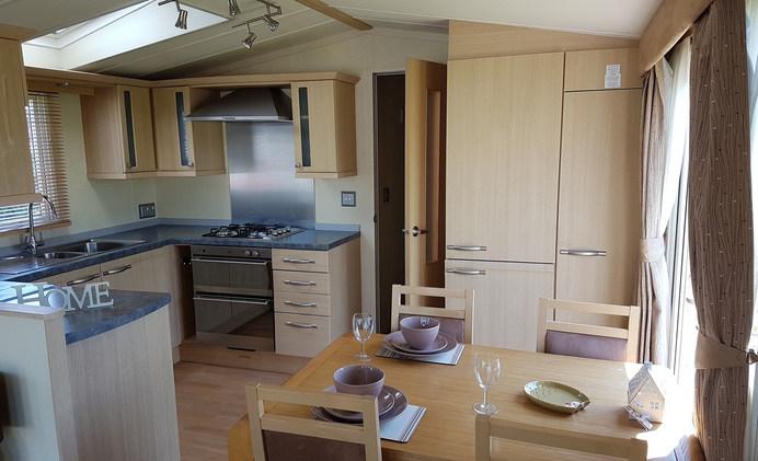 B9 Kitchen Diner 1.jpg