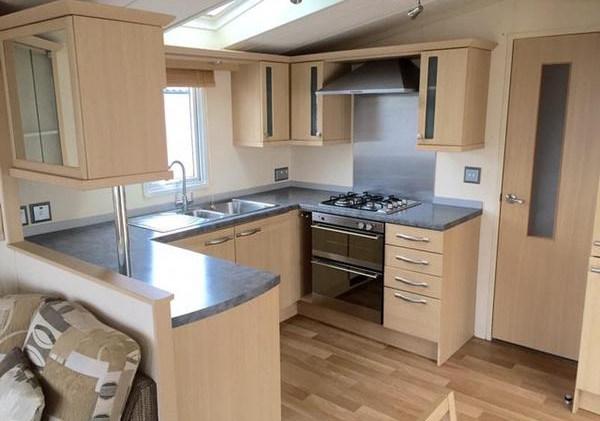 B9 Kitchen 1.jpg