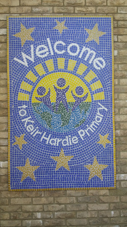 Keir Hardie Primary School / Welcome Mosaic Sign