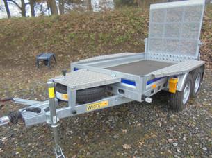 Kleinbaggertransporter 2700kg