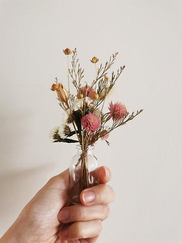 """Mini vase de fleurs séchées locales & de saison, pour dire """"je suis là pour toi"""""""