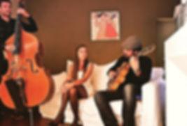 Groupes de Jazz répertoire de Noël, Jazz Vocal, Chansons de Noël, Jazz Swing pour animation soirée d'Entreprise de Noël, Arbre de Noël, séminaires, anniversaires, marché de Noël en France/Grand Ouest/Pays de la Loire/Bretagne/Normandie/Paris/Haut de France