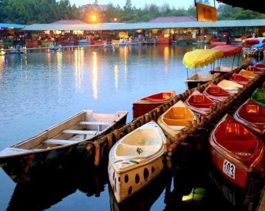 Floating-Market-Lembang Bandung.jpg