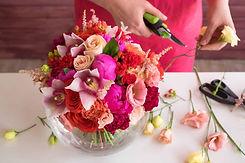 girl-florist-making-a-wedding-bouquet_t2