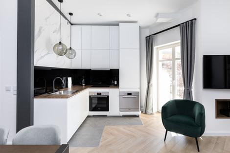 Cuisine appartement vendu à Cracovie pour un investissement immobilier à Kazimierz par Story's Immobilier