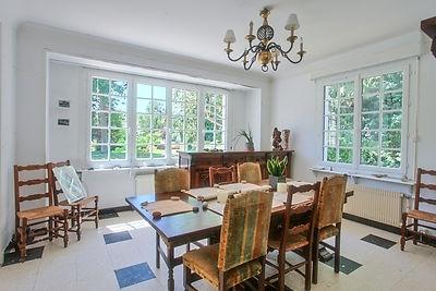salle à manger villa traditionnelle avec jardin secteur forêt du Touquet