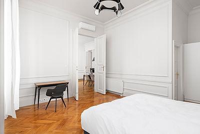 entrée appartement haut de gamme andrássy budapest