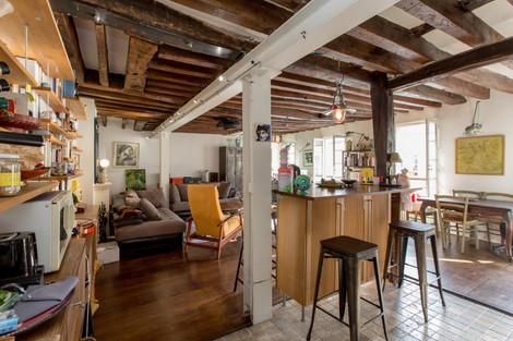 Salon immeuble appartement duplex vendu rue Amelot à Paris