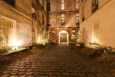 Cour immeuble appartement vendu par Story's rue de Bièvre 5ème arrondissement de Paris quartier latin
