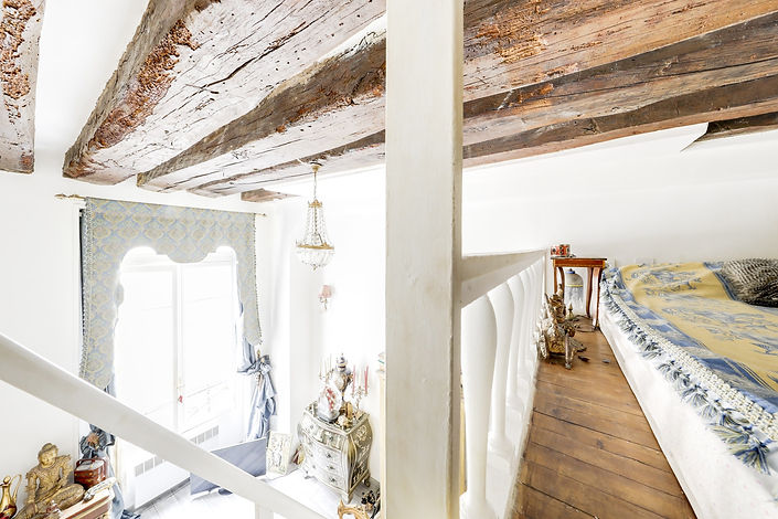 Mezzanine studio vendu par Story's rue des Gravilliers Paris Marais