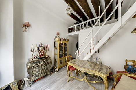 Séjour studio vendu par Story's rue des Gravilliers Paris Marais
