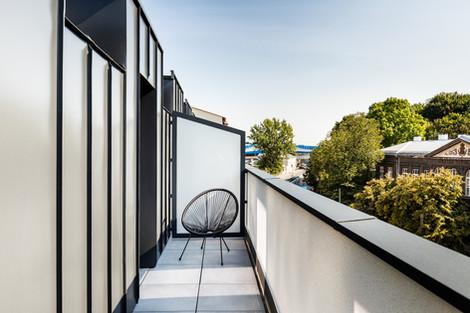 Balcon appartement vendu à Cracovie pour un investissement immobilier à Podgórze par Story's Immobilier
