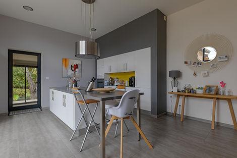Cuisine maison à vendre dans proche de Cluny secteur Valouzin par Story's Immobilier