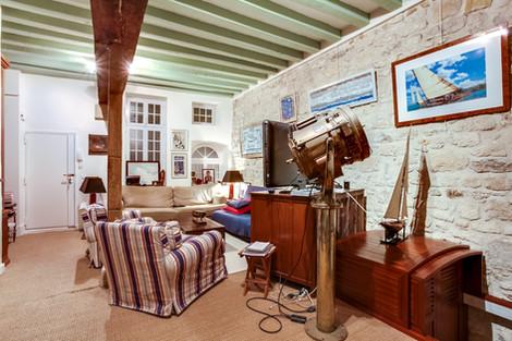 Salon appartement vendu par Story's rue de Bièvre 5ème arrondissement de Paris quartier latin