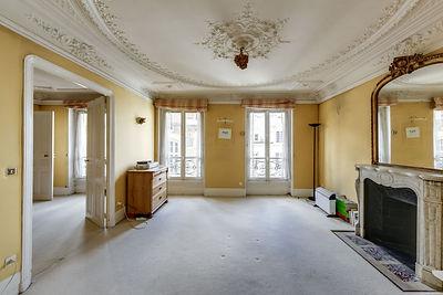 Salle à manger appartement rue des bourdonnais Paris Les Halles vendu par Story's