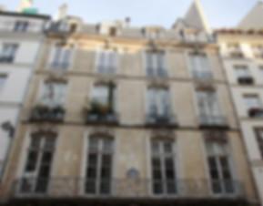 immuble façade archtecture style Louis XV balcon fers forgés
