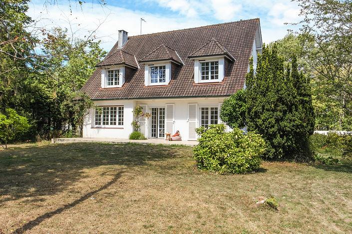 façade villa traditionnelle avec jardin secteur forêt du Touquet