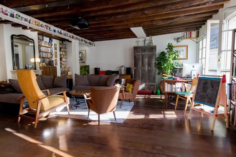 Séjour immeuble appartement duplex vendu rue Amelot à Paris
