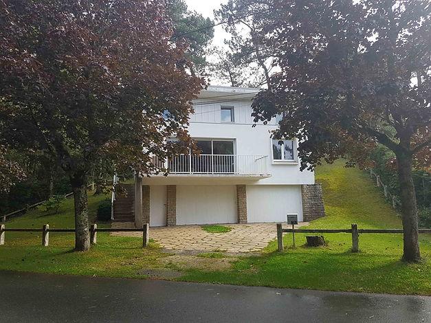 Façade villa vendue par Story's Immobilier à Hardelot.