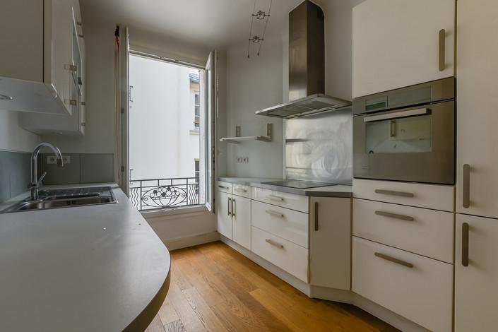 Cuisine appartement vendue par Story's rue Mademoiselle à Paris